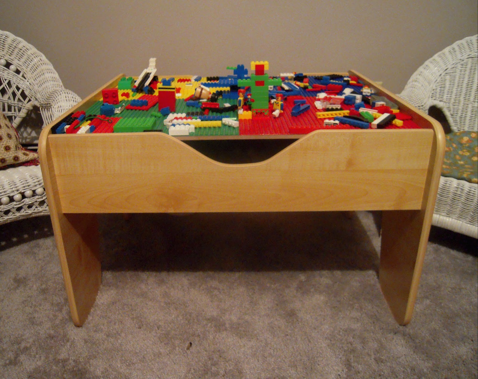 Marvelously Messy : KidKraft 2 in 1 Lego Table Review