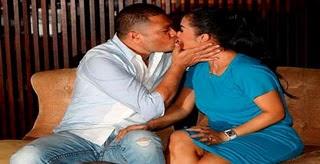 foto ciuman Krisdayanti image