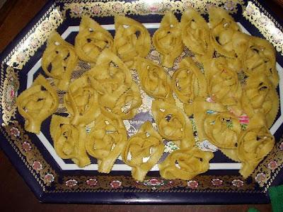 حلوة القريوش(حلوى جزائرية) 4.jpg