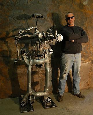 Robot Ini Dibuat Dari Mobil BMW 645Cl !!! | Fotobugil21.com