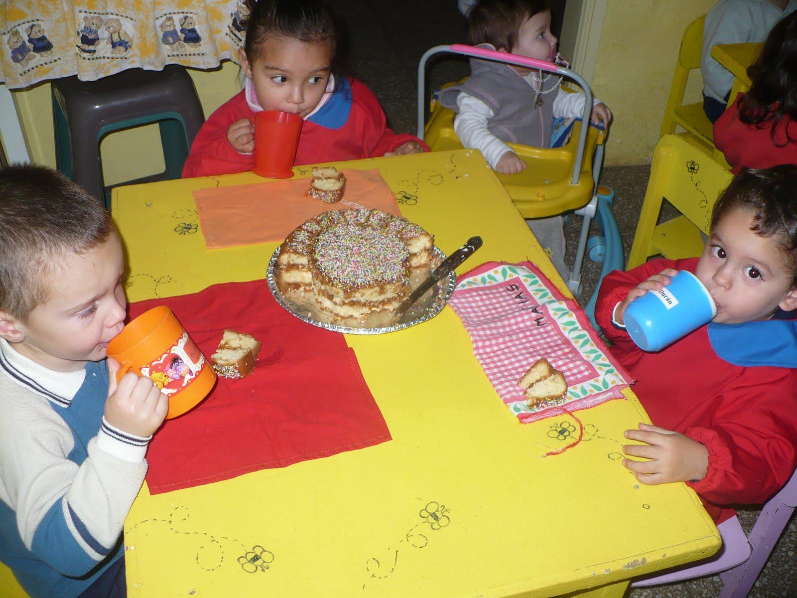 Jardín Maternal Las Aventuras de Cristian y Diego: FESTEJAMOS EL DÍA ...