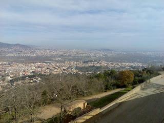vistas desde lo alto de la montaña de Sant Ramon