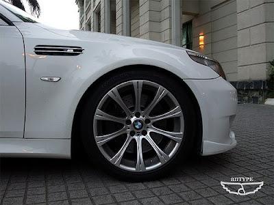 bmw m5 wallpaper. BMW M5 (E60) Fender Gill Rim