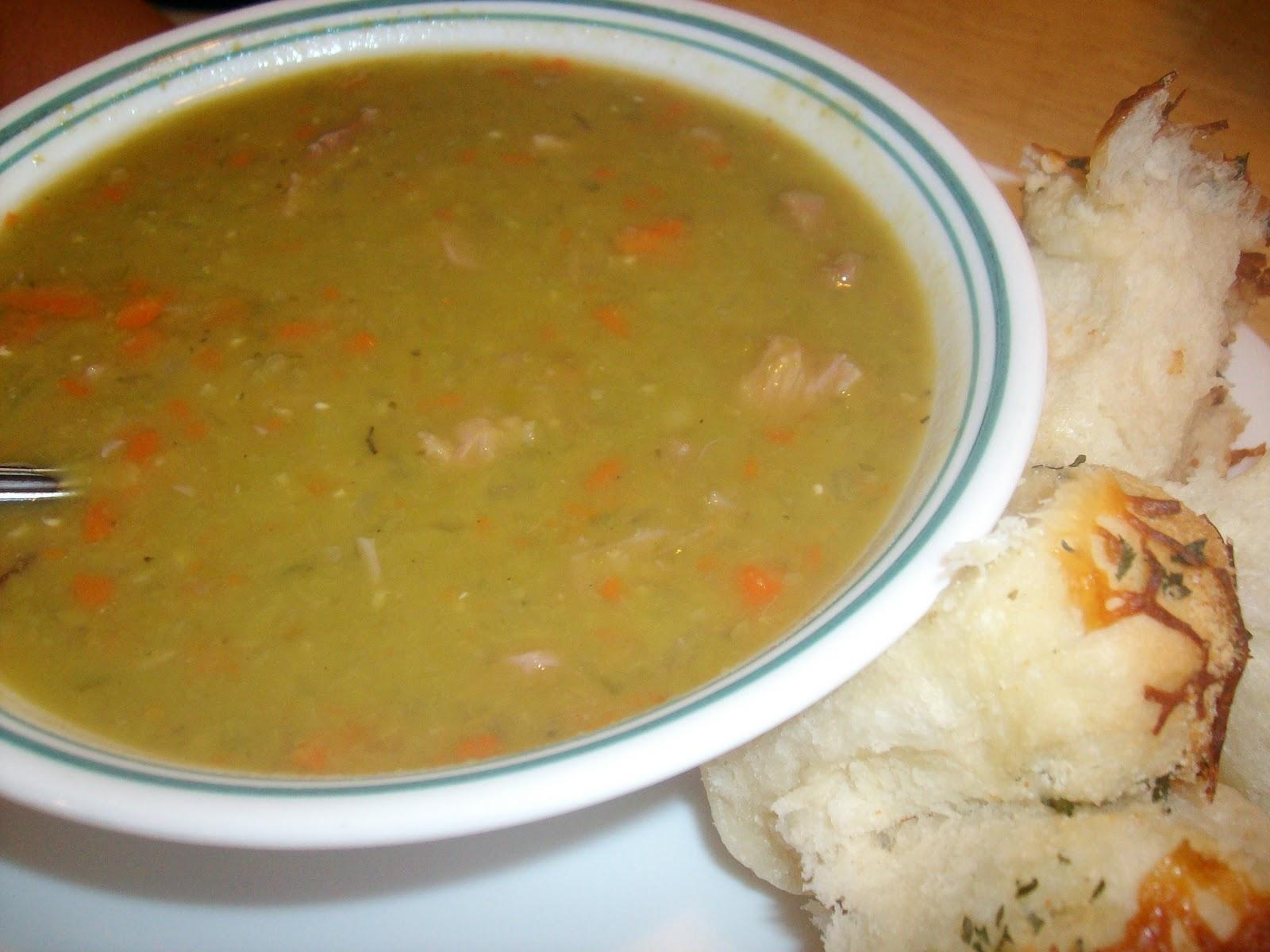 Гороховый суп с копчеными ребрышками в мультиварке пошаговый
