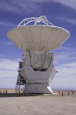 Primera antena para ALMA