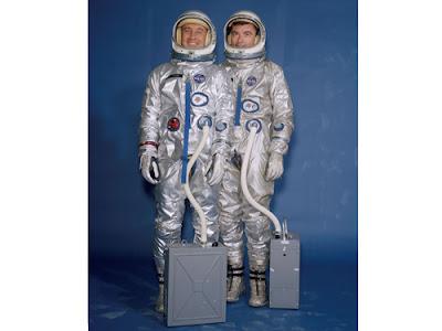 Gus Grisson (izq.) y John Young