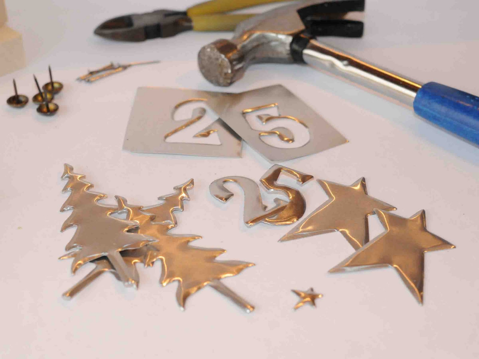 how to cut shapes out of metal sheet