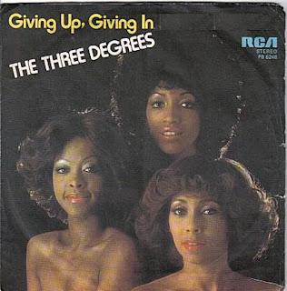 http://2.bp.blogspot.com/_VfVLiGO6gwQ/SpwUm-M8UtI/AAAAAAAABM8/UfTtbcIoDzg/s320/The+Three+Degrees+-+Giving+up+giving+in.jpg