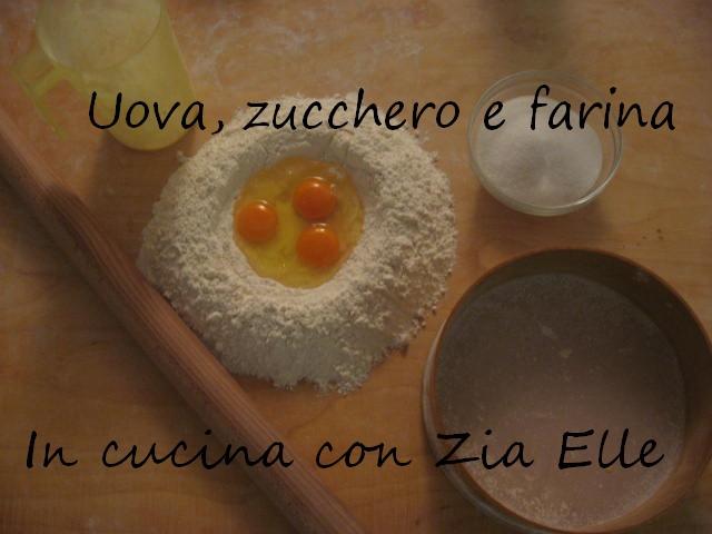Uova, zucchero e farina