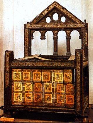 Dise o inmobiliario el mueble paleocristiano bizantino for Mobiliario y inmobiliario