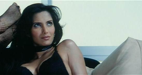 [actress_hot_movie_scene_12.jpg]