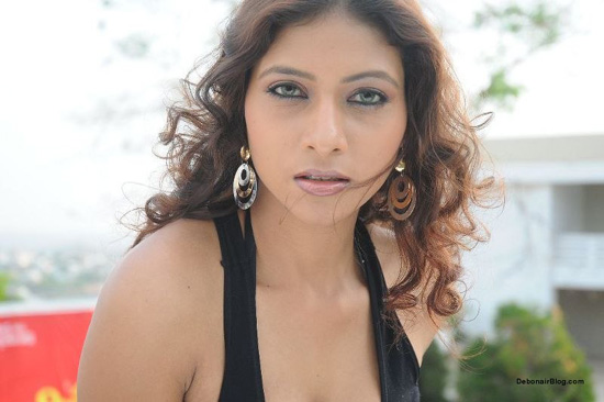 Krishikha Gupta | Krishikha Gupta model | Krishikha Gupta wiki | Krishikha Gupta hot photos | Krishikha Gupta lesbian photoshoot | Krishikha Gupta photo | Krishikha Gupta Unseen Hot photos