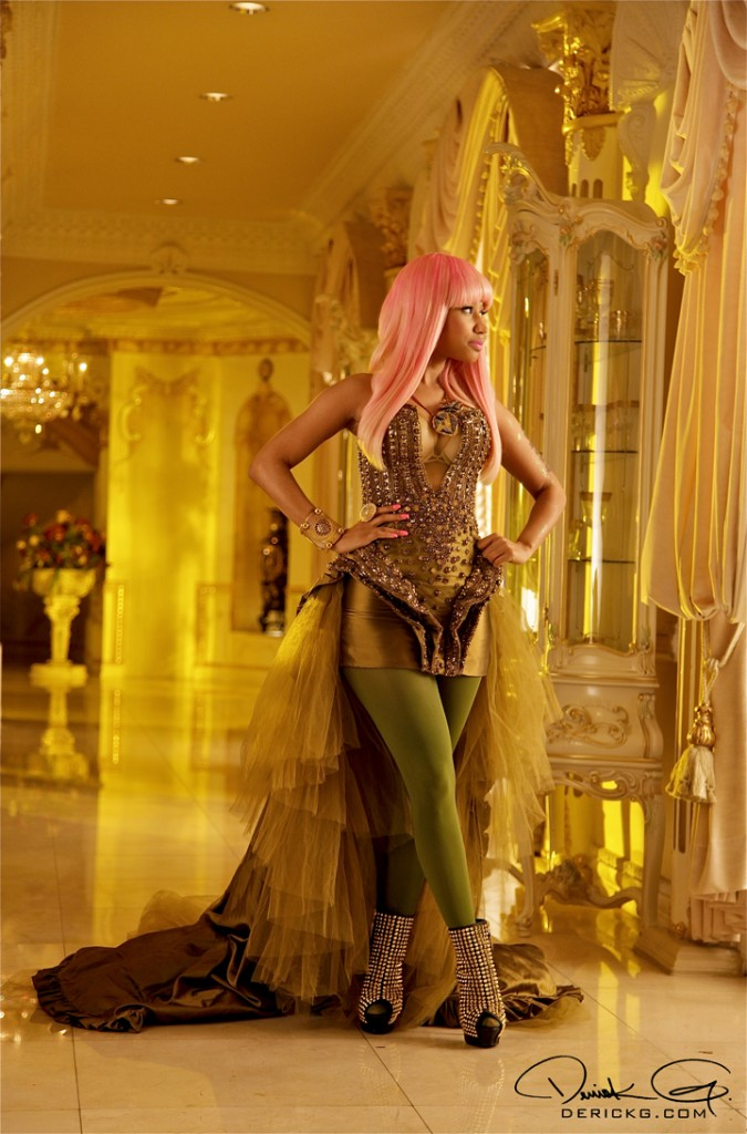 nicki minaj dress in moment