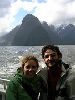 Durante el crucero por el Milford, con el Mitre Peak al fondo