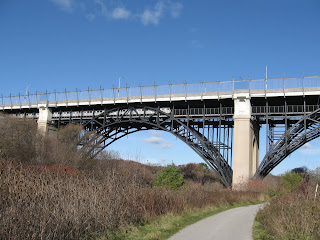Prince Edward Viaduct - Suicide Destination