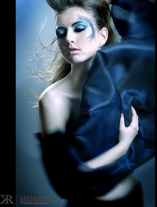 Katarzyna Rzeszowska fotos mulheres azul