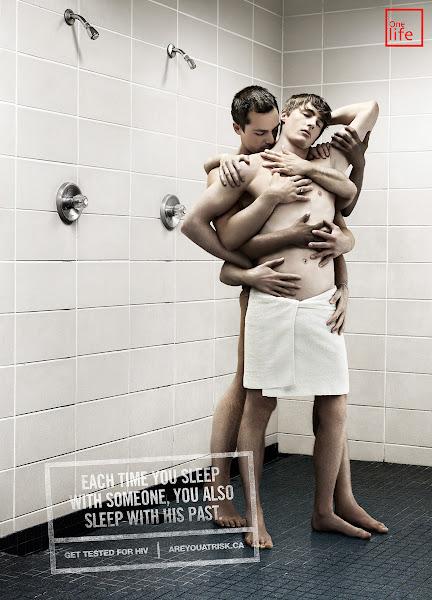 aids mãos parceiros cama gay chuveiro