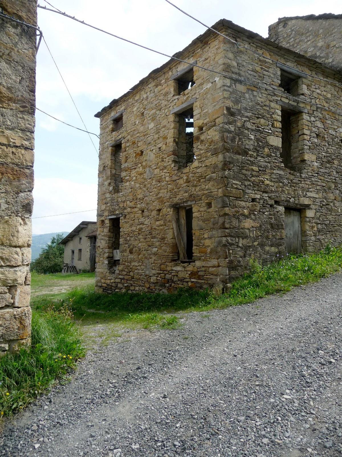 Costageminiana viaggio a costageminiana frazione di bardi for Fienile casa piani casa