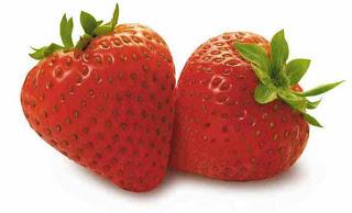 strawberry Cara Bersihkan Noda Wajah Pakai Stroberi