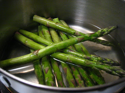 Casual kitchen how to cook steamed asparagus and add a little efforts to promote healthy affordable and delicious eating todays post will contain simple instructions on how to prepare steamed asparagus ccuart Gallery