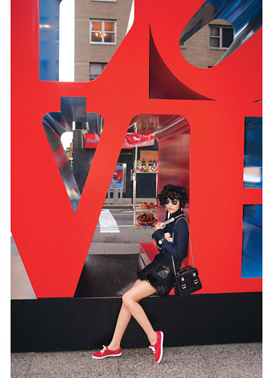 robert indiana sculpture in