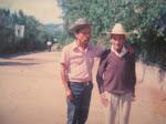 Don Teodoro Lopez Toc ( 1901 - 1992 ) atras tienda El gran Chaparral  1988