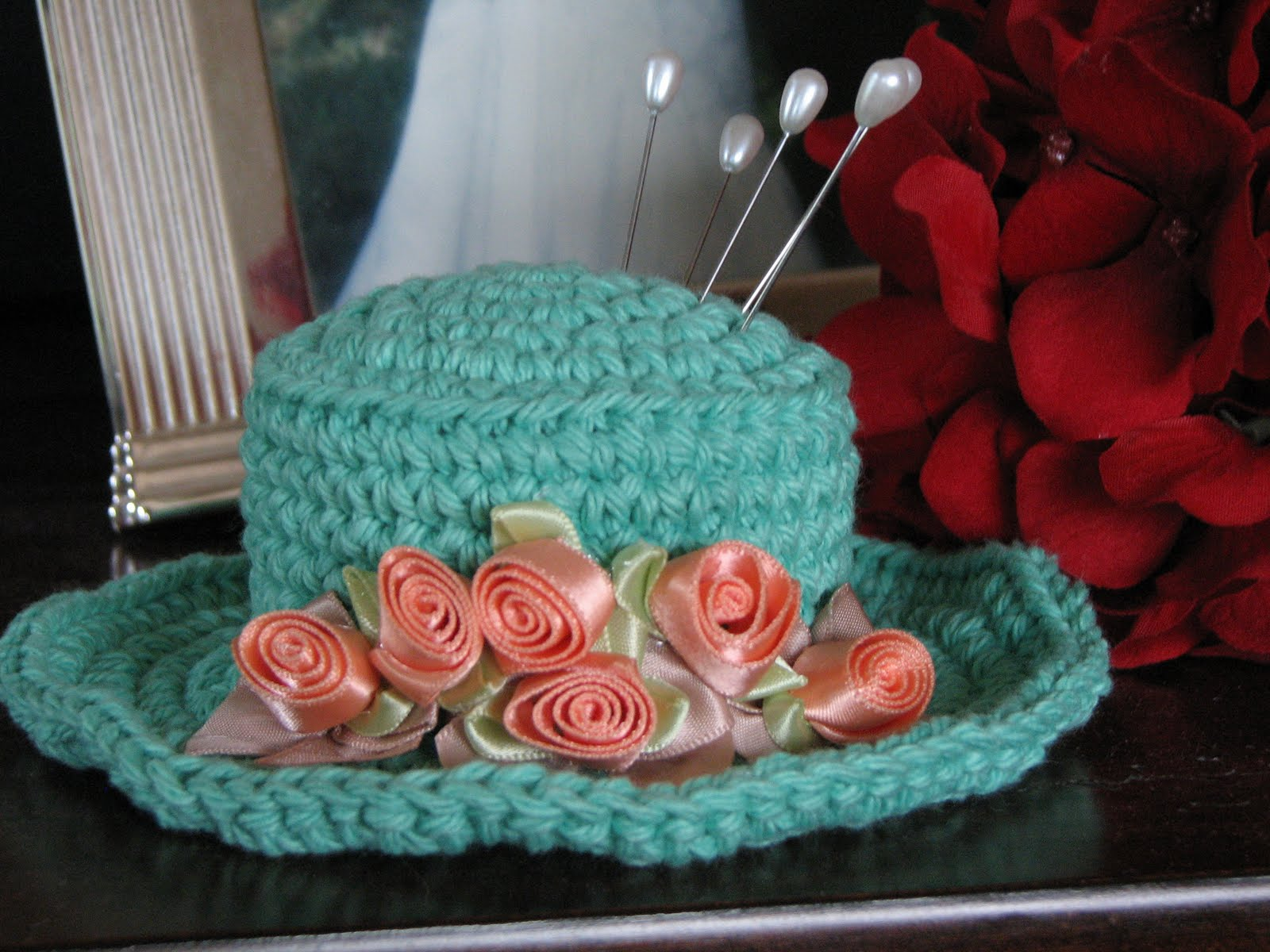 Crocheted Pincushion Hat Debs Thoughts