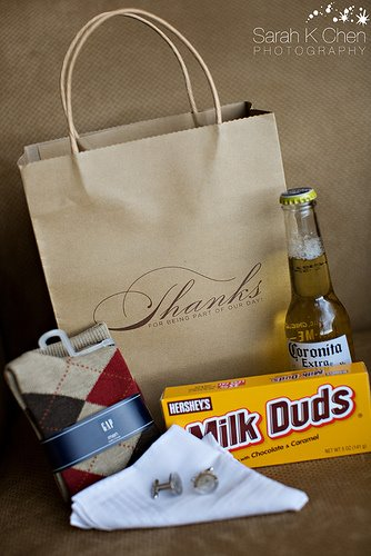 Wedding Gift Bags For Groomsmen : simply pretty wedding: Gifts for the Groomsmen