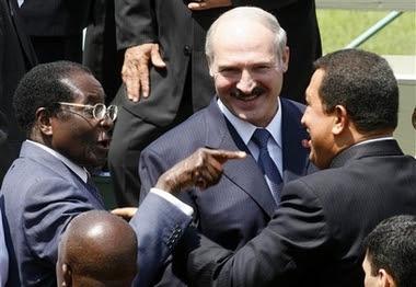 Mugabe, Lukaschenko, el dictador de Bielorusia y Chavez