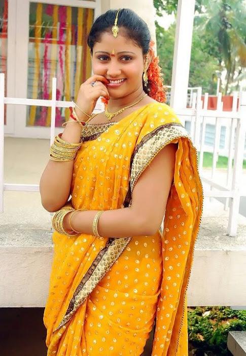 heroine amrutha valli saree hot images