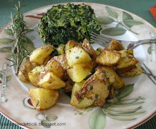Tortini di spinaci e ricotta con patate al forno