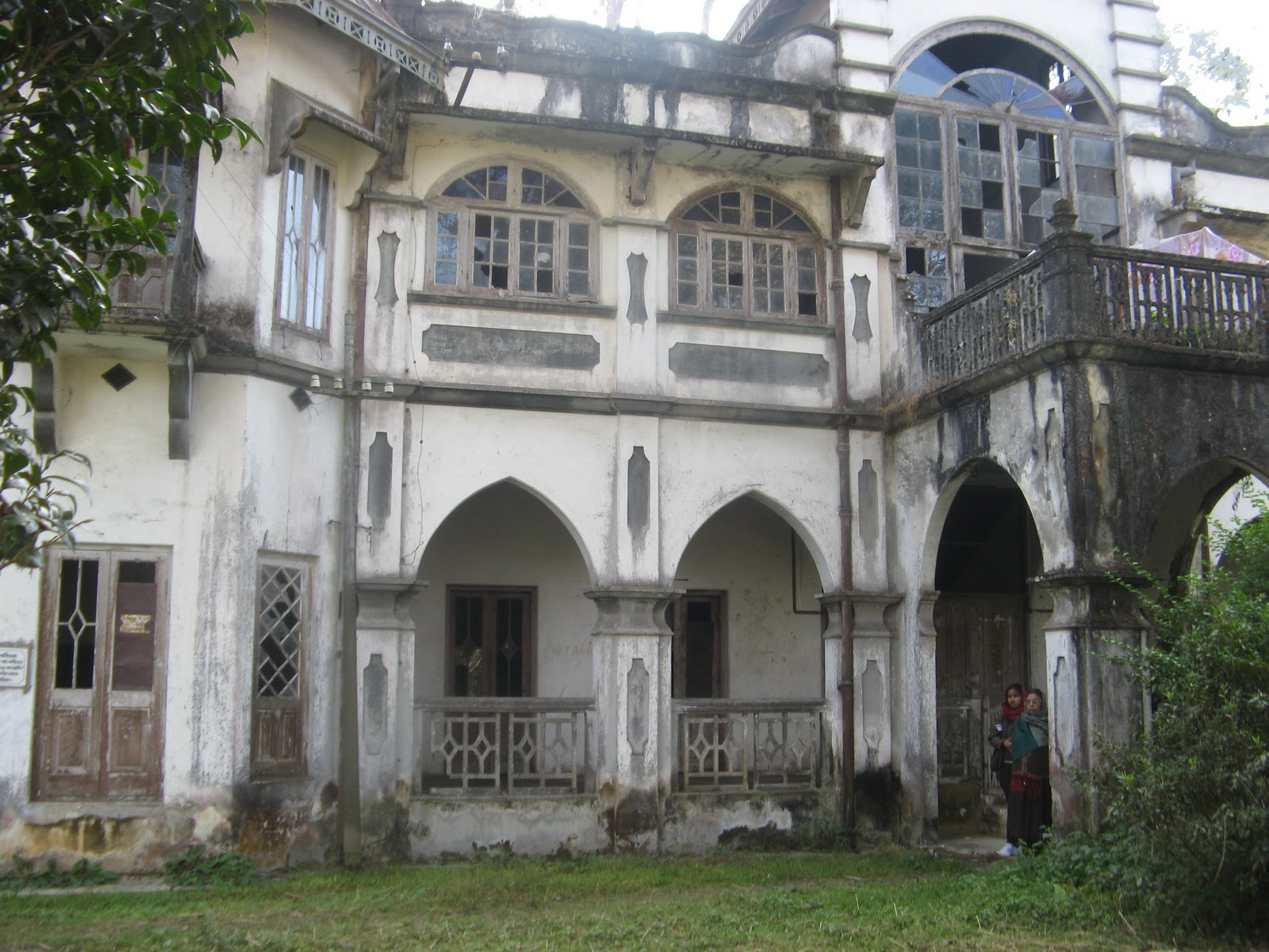 shantinikaten home of rabindranath tagore Shantiniketan gave us many of rabindranath tagore's literary classics we give you a tourist guide to this university town some call it the old retreat of the bourgeoisie, while for some it means rediscovering their artistic genes.