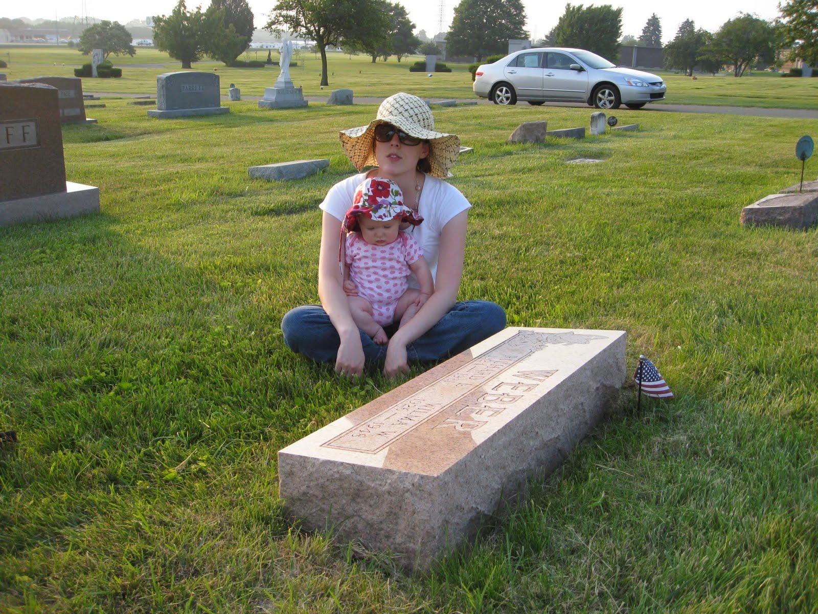 http://2.bp.blogspot.com/_VzR3ueVWGdg/TCN6EQO3INI/AAAAAAAAAts/EfKhM4fmKMw/s1600/Lily+Visits+Wilma+019.JPG