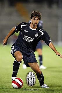 Caetano estará no dia 26-12, no gramado do Carlos Costa Monteiro!