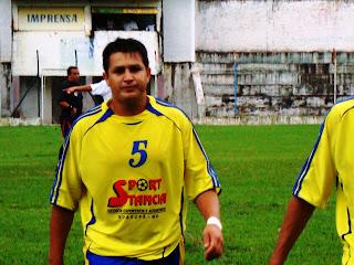 Quito-abriu o placar cobrando penalidade máxima !