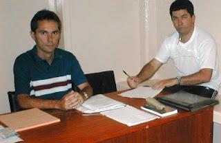 Jair Bastos (E) - organizador e Juscemar -participante