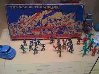 Old War of the Worlds toys