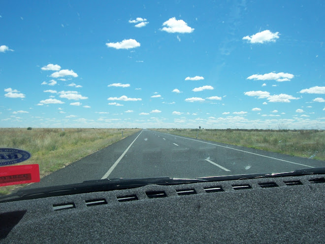 Long straight road to Longreach