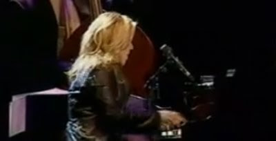 Diana Krall playing at the Olympia