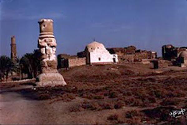 عامود روماني ويقال انه اثر لمعبد روماني تم بناؤه فى عهد اسكانين بن افرسطوس قيصر الرومي