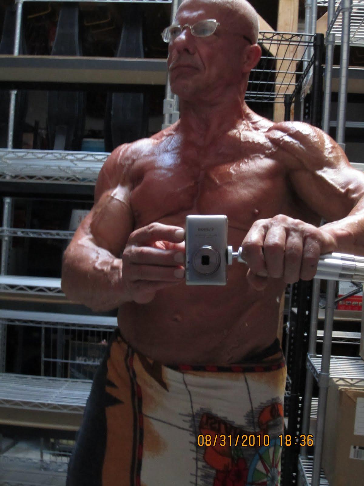 http://2.bp.blogspot.com/_W1HsDawS3TY/TIWHiV7lgbI/AAAAAAAAMzw/dmR53BCImnY/s1600/A+C+Extreme+shoulder.JPG