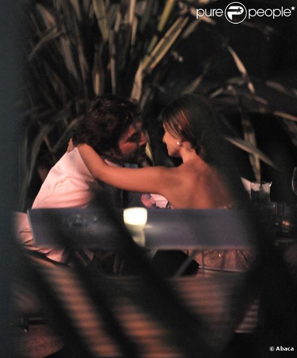 Penelope Cruz & Javier Bardem kissing. | Penelope Cruz, javier Bardem,