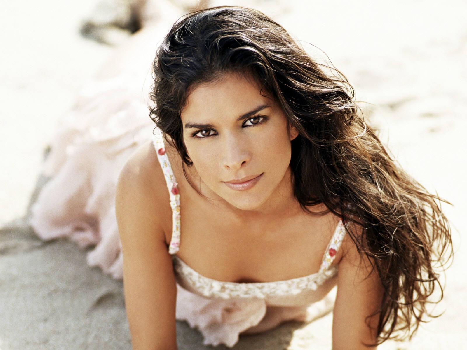 Patricia Velasquez Sexy Picture