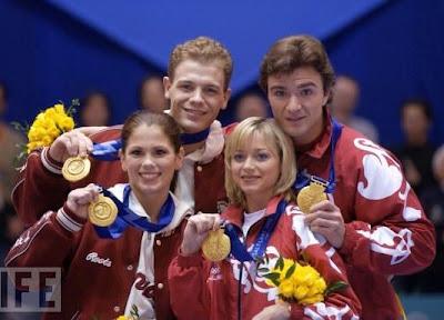 Jamie Salé/David Pelletier (Canadá) - Elena Berezhnaya/Anton Sikharulidze (Rusia)
