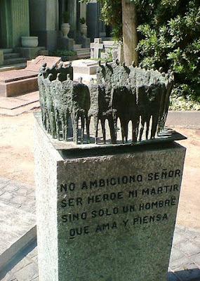 Tumba del General Carlos Prats