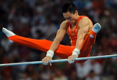 Yang Wei, campeón olímpico de gimnasia artística