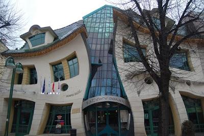 La Casa Torcida en Sopot, Polonia