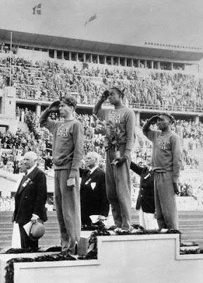 Berlín 1936 - Cornelius Johnson (oro), David Albritton (plata) y Delos Thurber (bronce)