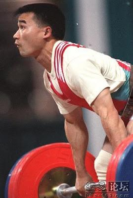 Atlanta 1996 - Tang Ningsheng, campeón de -59 kg en halterofilia
