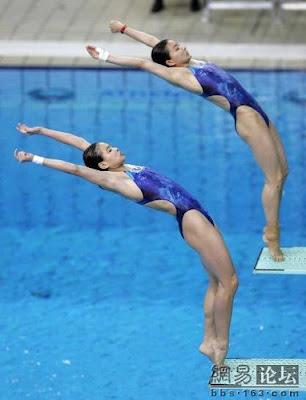Atenas 2004 - Wu Minxia y Guo Jingjing, ganadoras en saltos de trampolín sincronizados